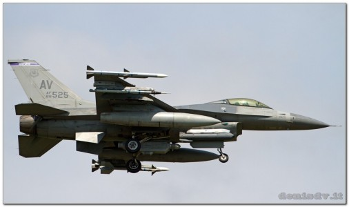 USA – Air Force Lockheed Martin F-16CG Fighting Falcon 88-0525