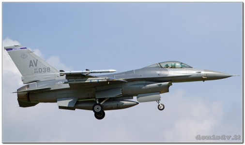 USA – Air Force Lockheed Martin F-16CG Fighting Falcon 89-2038