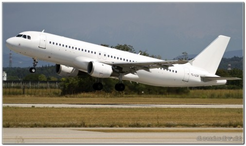 Travel Service (SmartLynx Airlines) Airbus A320-211 YL-LCA (cn 333)