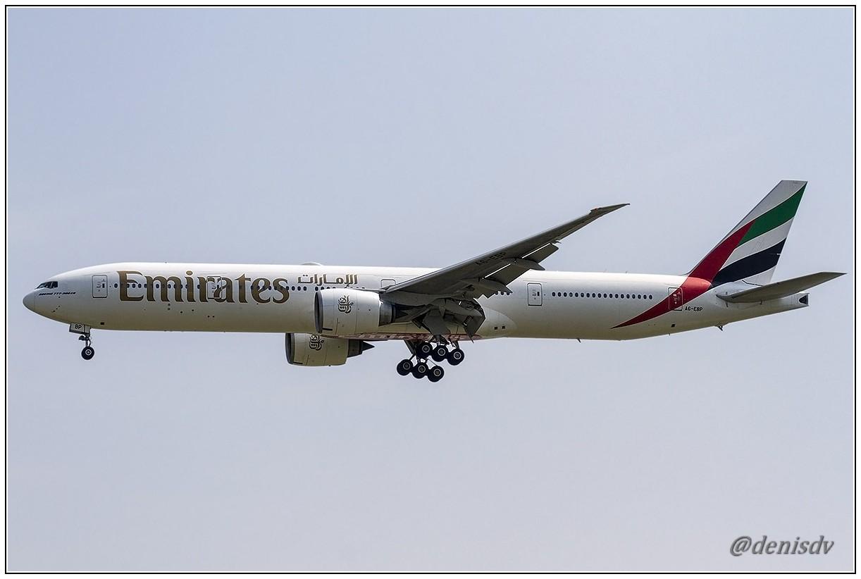 Emirates Boeing 777-31H/ER A6-EBP (cn 32710/569)