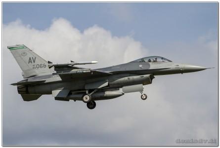 USA – Air Force Lockheed Martin F-16CG Fighting Falcon 89-2068