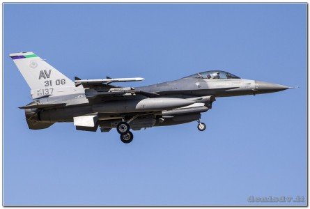 USA – Air Force Lockheed Martin F-16CG Fighting Falcon 89-2137