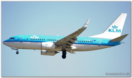 KLM - Royal Dutch Airlines Boeing 737-7K2 PH-BGT / GT-215 (cn 38634/3762)